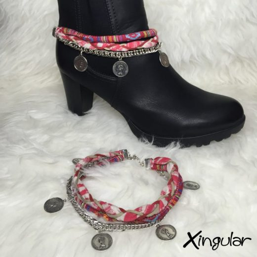 pulsera botas monedas trenza roja muestra