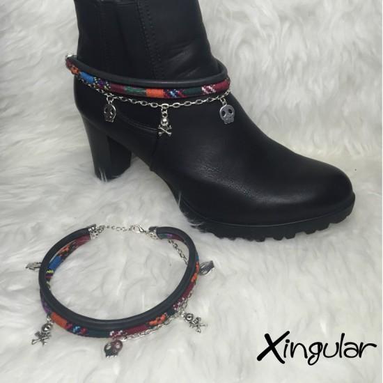 pulsera botas calavera negra y etnico burdeos muestra