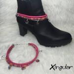 pulsera botas fatima rosa y etnico rosa muestra
