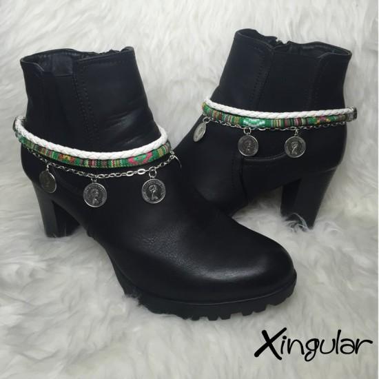 pulsera botas monedas blanco y etnico verde par