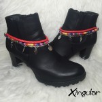 pulsera botas plumas roja y etnico tricolor par
