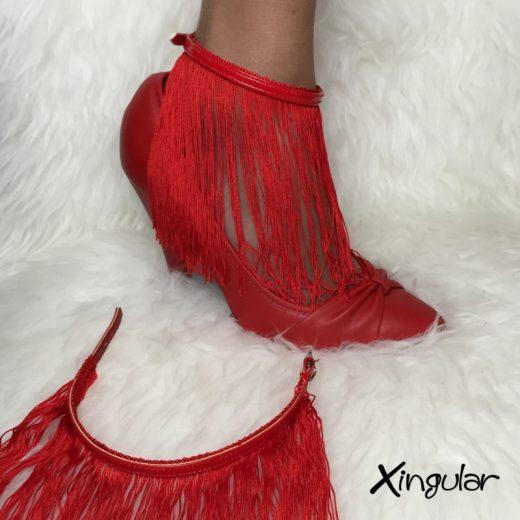 flecos seda roja stilettos rojos xingular muestra