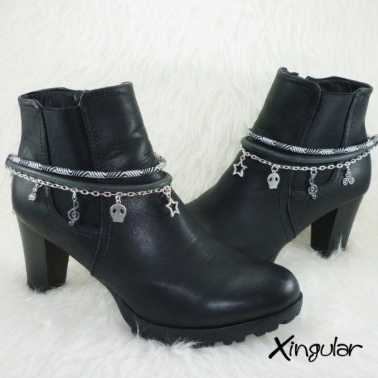 pulsera-botas-etnico-blanco-y-negro-y-cordon-piel-negra-par