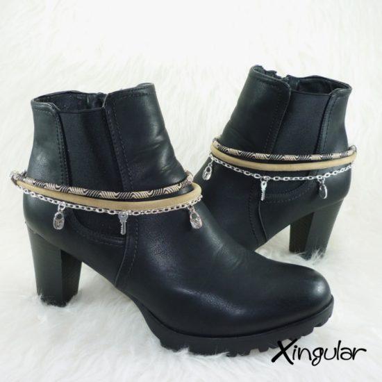pulsera-botas-etnico-negro-y-beige-y-cordon-piel-beige-par