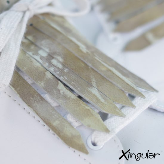 flecos zapatillas plisada plateada detalle