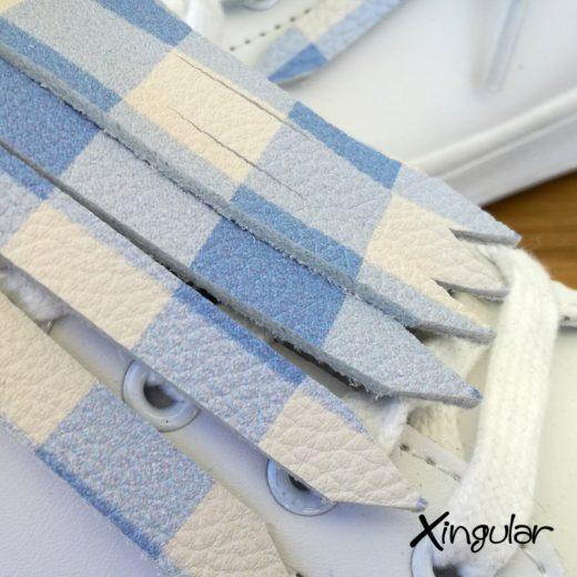 flecos zapatillas cuadros azules detalle