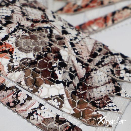 flecos zapatillas serpiente floral detalle
