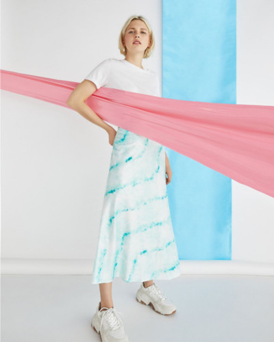 La-falda-saten-el-nuevo-grito-de-moda-1