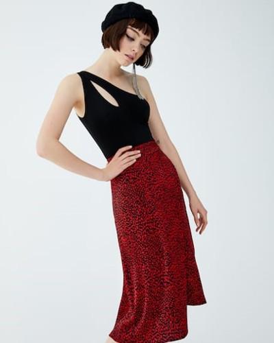 La-falda-saten-el-nuevo-grito-de-moda-6