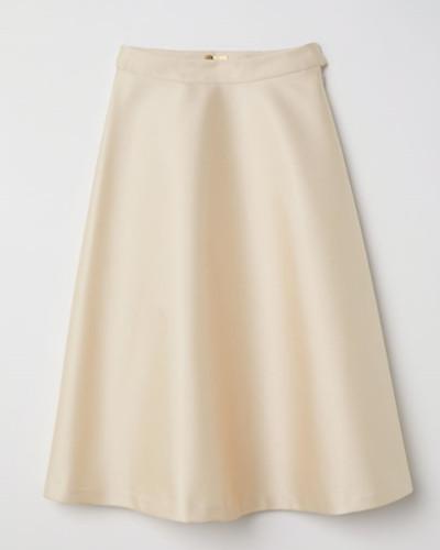 La-falda-saten-el-nuevo-grito-de-moda-7