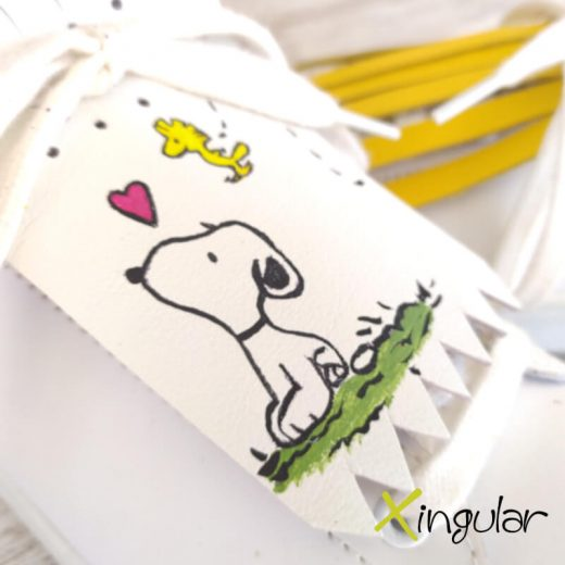 flecos zapatillas snoopy color detalle